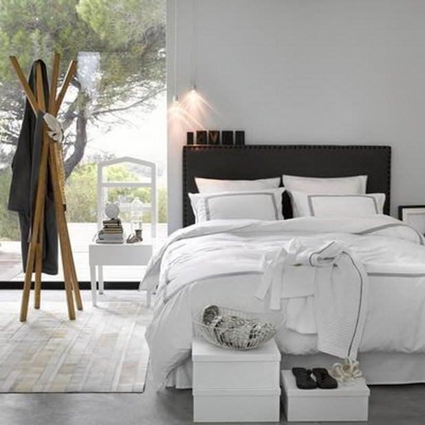 white decorating bedroom