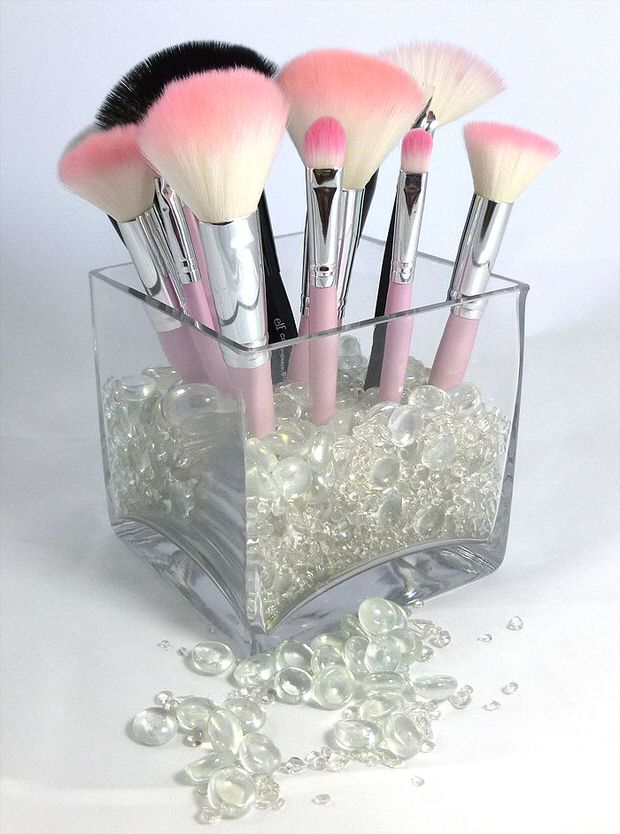 Diy makeup storage ideas decorating your small space for Beauty project ideas