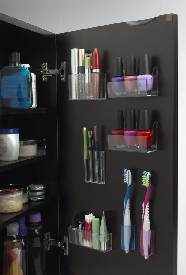 Magnetic Makeup: Decorating Your Small Space