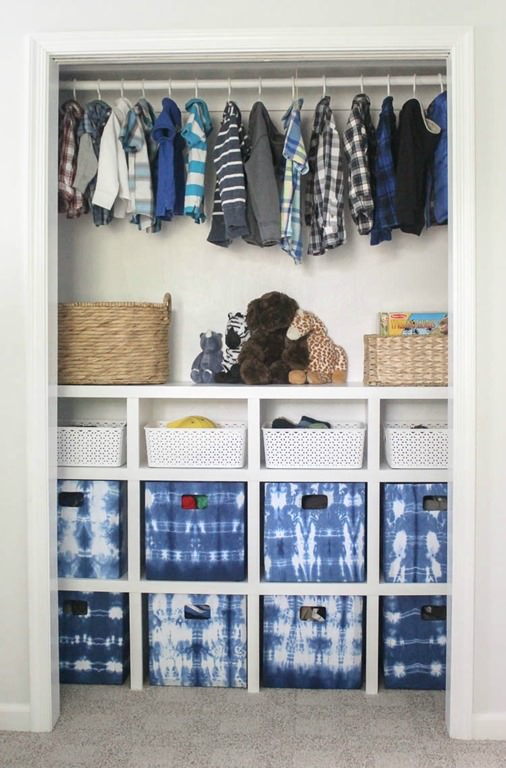 Elsie At A Beautiful Mess Found Way To Extend Her Closet E With This Organization Idea And It S So Pretty Actually Wall Art