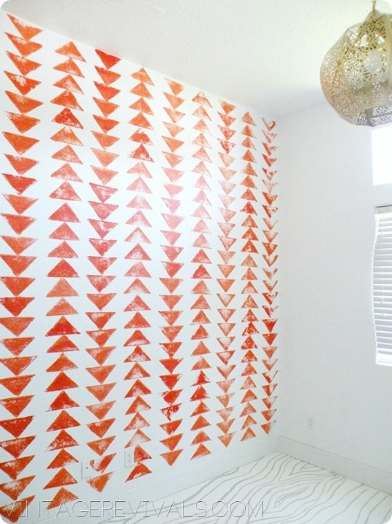 DIY Tribal Triangle Wallpaper[3]