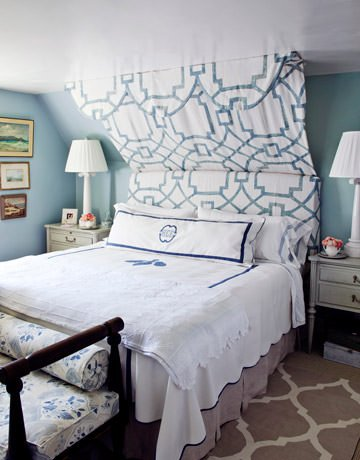 hbx-schultz-makeover-bedroom-blue-white-0311-de