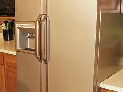 CI-Liquid-Stainless-Steel_Painted-Refrigerator-after_s3x4_lead