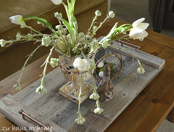 Diy decorative trays decorating your small space for Old wooden fence ideas