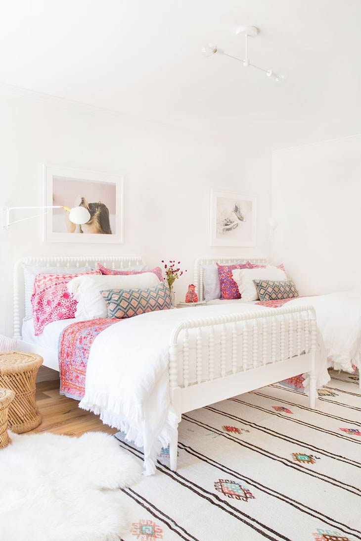 Cute & Stylish Teenage Girl Bedroom Ideas & Room Decor ... on Teenage Rooms For Girls  id=83283