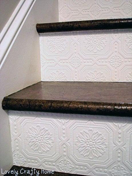 Textured-Wallpaper-Stair-Riser-2