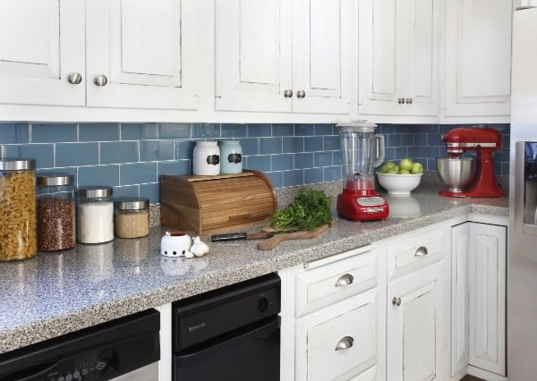 Contemporary Cottage Kitchen Makeover: Decorating Your Small Space