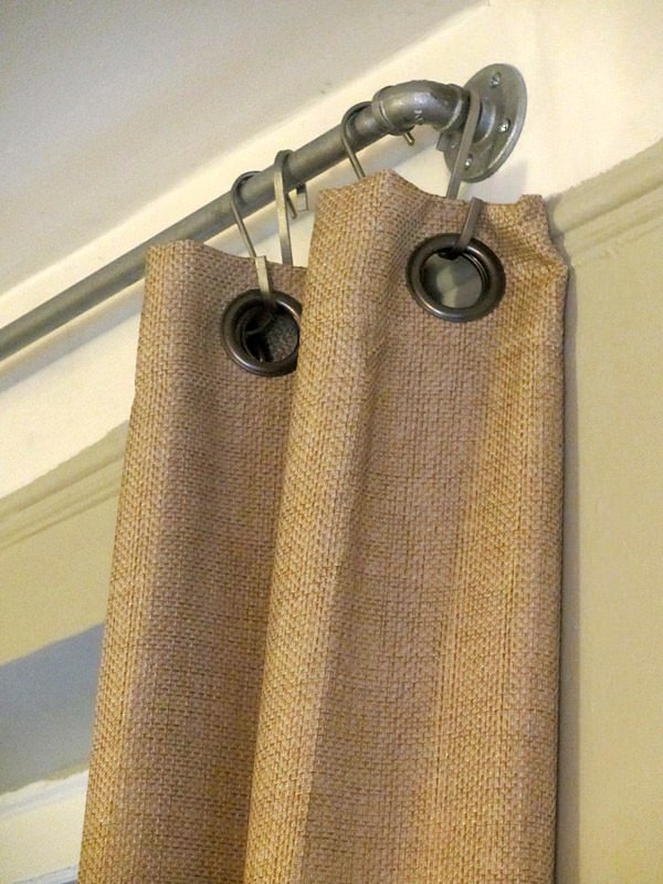 diy-industrial-pipe-curtain-rods-02