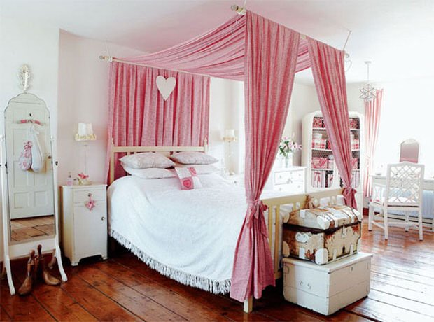 pink-fabric-canopy-bed