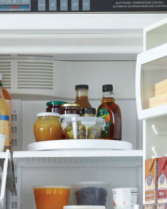 mld106363_1110_fridge_turntable_vert