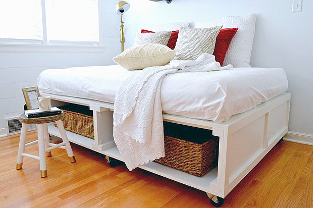 14 Space Saving Projects on Wheels