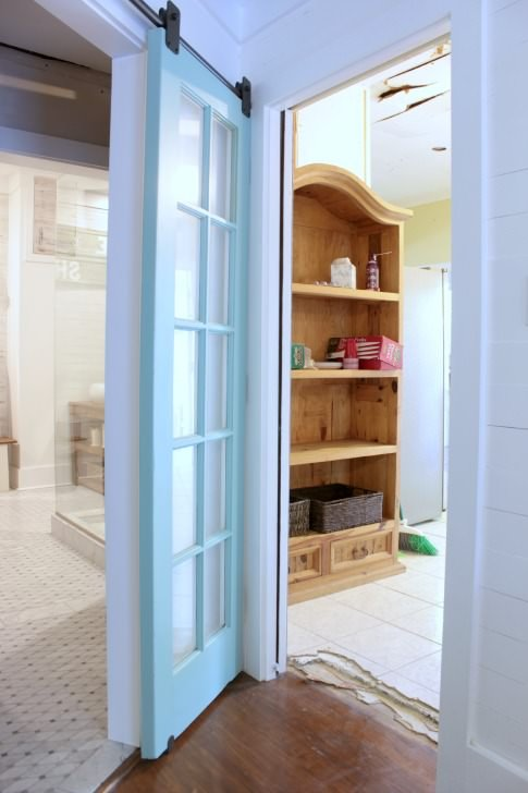 closet-doors-view-to-kitchen