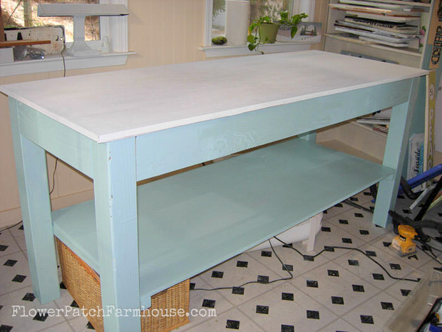 Diy Workbench Plans Amp Tutorials Decorating Your Small Space
