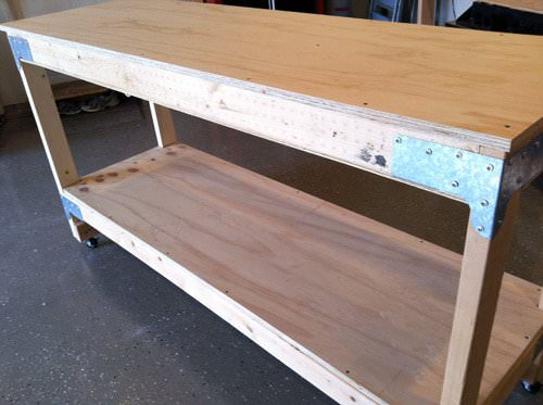 Diy workbenches decorating your small space for Simple workshop table