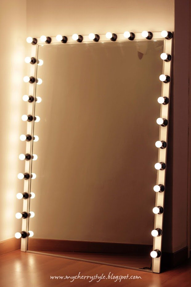 Glam diy light up vanity mirror projects decorating for Lighted mirror