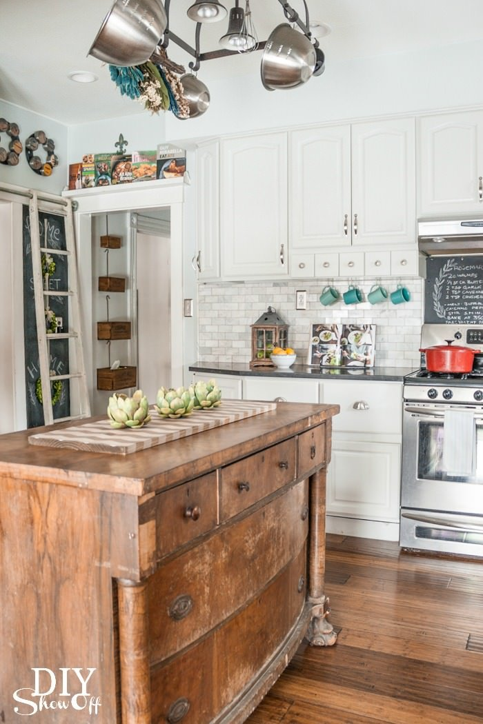 How to make a kitchen island decorating your small space - How to decorate a small kitchen ...