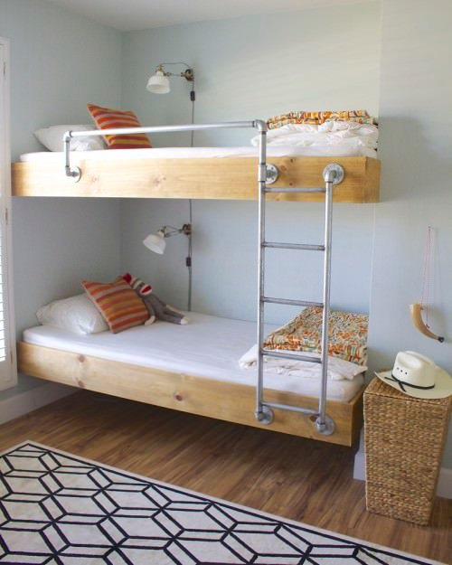 9 amazing diy bunk beds decorating your small space. Black Bedroom Furniture Sets. Home Design Ideas