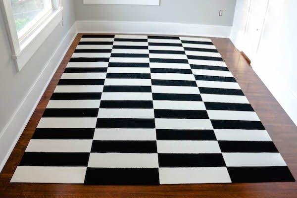 442ee498b36 DIY Black   White Decor Projects