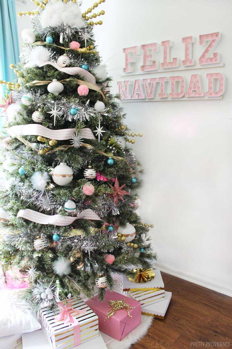 12 Christmas Tree Theme Ideas