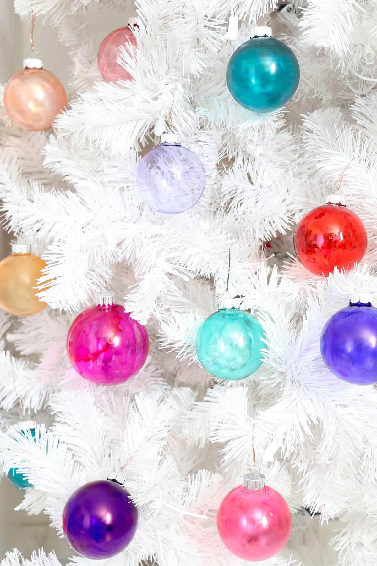 10 Cool Unique Diy Glass Ornament Projects Ohmeohmy Blog