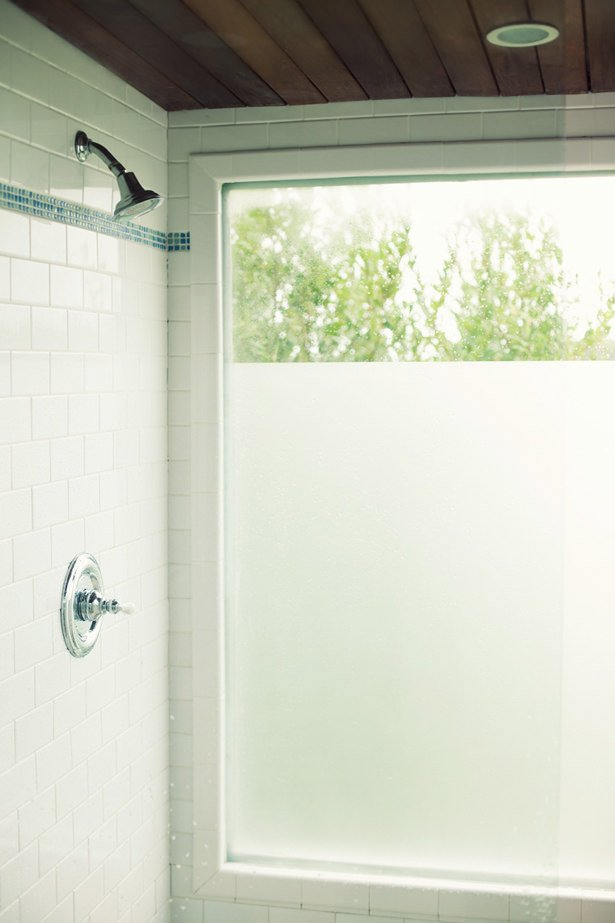 Fabulous diy frosted glass projects decorating your for Opaque glass for bathroom windows