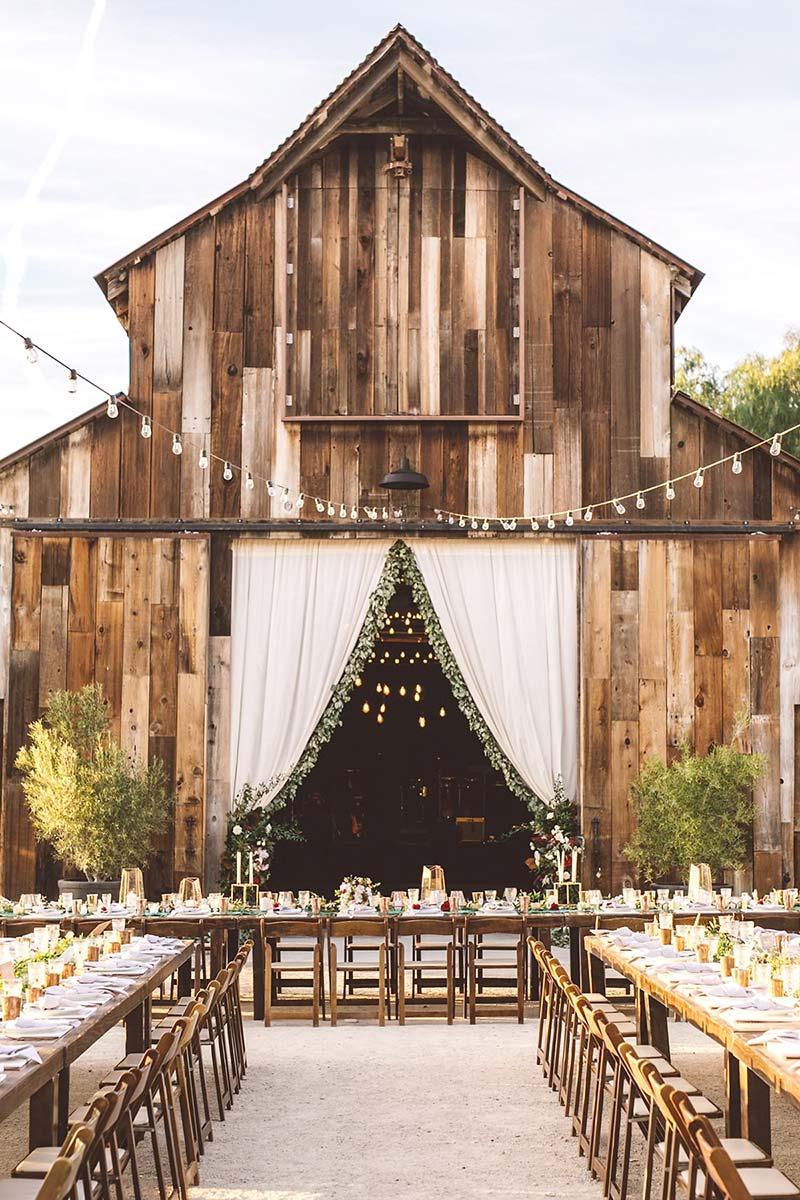 Rustic & Barn Weddings DIY Wedding Decor • OhMeOhMy Blog
