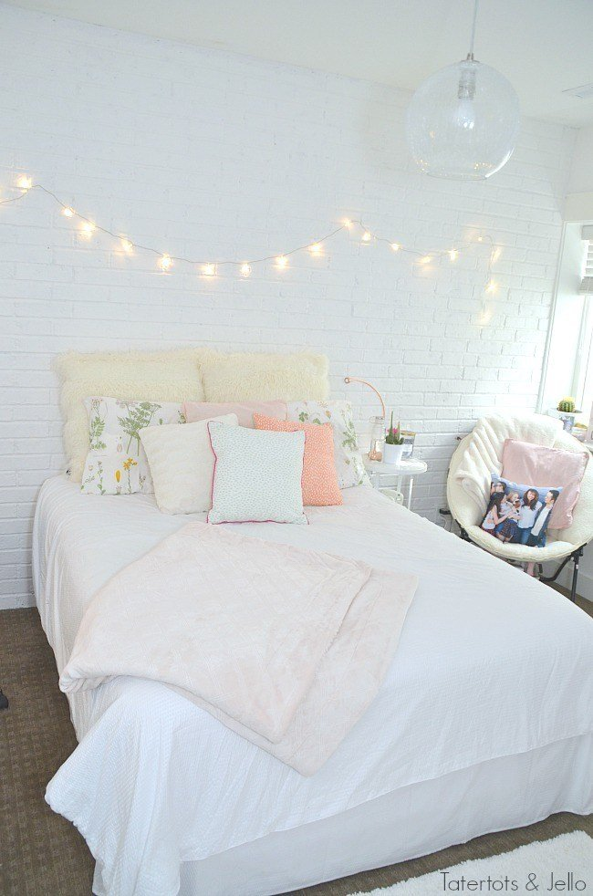 Cute & Stylish Teenage Girl Bedroom Ideas & Room Decor ... on Teenager Room Girl  id=95594